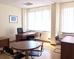 Ufficio 3 scrivanie - Roma - Business Center T2