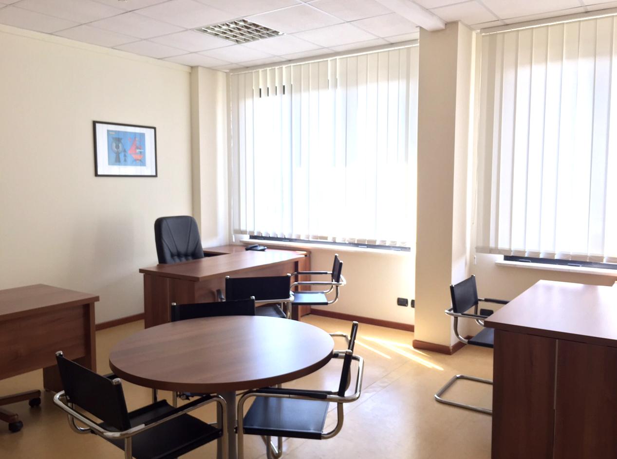 Ufficio-3-scrivanie